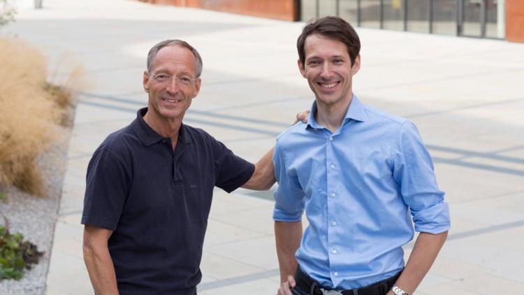 Bild zeigt Vater und Sohn